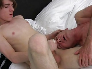 Randy mature homo dude acquires his face covered in cum in bedroom