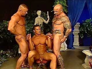 Lascivious Hunks In A Hawt Foursome
