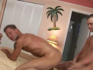 2 sexy str8 males fuck every other