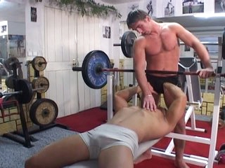 Gym workout turns into sizzling hot homosexual bareback workout